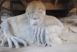 fremont troll seattle statue monstre